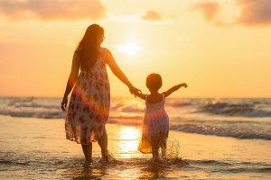 Hvordan håndtere barn som slår? Tre tips som kan hjelpe