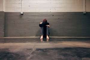 Indre uro – hvilke symptomer gir det og hvordan takle det?